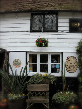 ‪‪The Hatch Inn‬: North Elevation‬