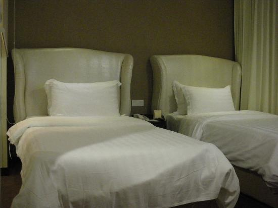 Hatten Hotel Melaka : comfortable bed & pillows