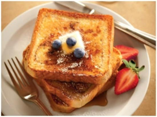 Country Inn & Suites by Radisson, Topeka West, KS: Cinnamon French Toast