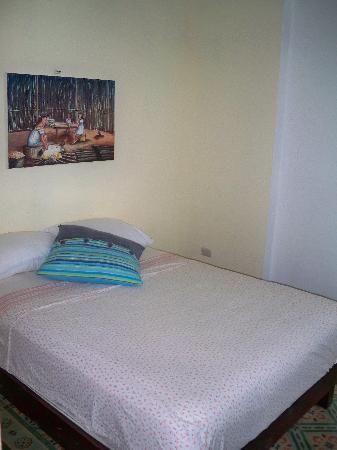 "Hostal Progreso ""El Boarding House"": ROOM 2"