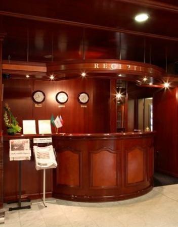 Hotel na Kazachyem: Reception