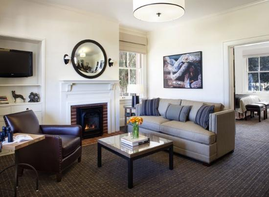 Inn at the Presidio: Lounge Area