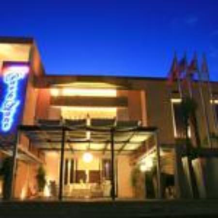 Park Lane Hotel & Beach Resort