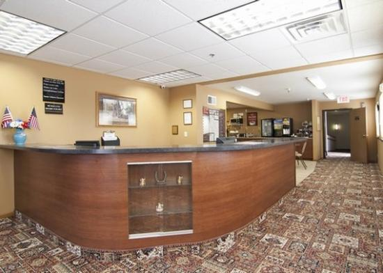 Econo Lodge New Ulm: Lobby MN