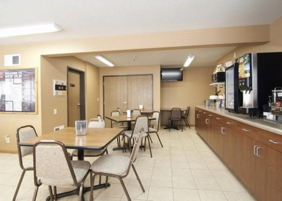 Econo Lodge New Ulm: Breakfast MN