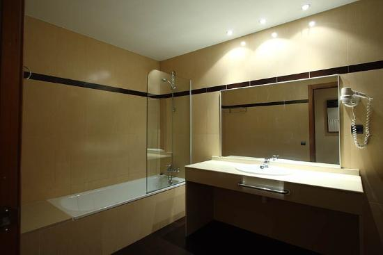 Hotel Suite Camarena Plaza: Room