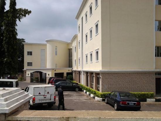 Savannah Suites Hotel: Exterior