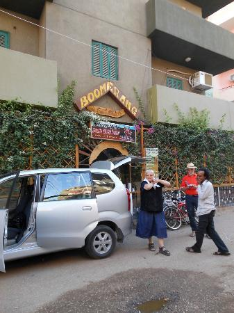 Boomerang Hotel : It was safe to park a private car on the street in front of the hotel
