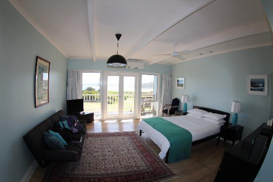 Clifftop Boutique Accommodation: our room