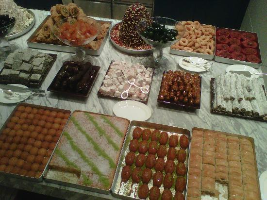 Grand Hyatt Istanbul: Turkish dessert offerings