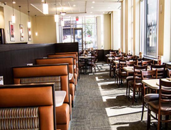Wyndham Garden Niagara Falls Fallsview: Pekins Restaurant