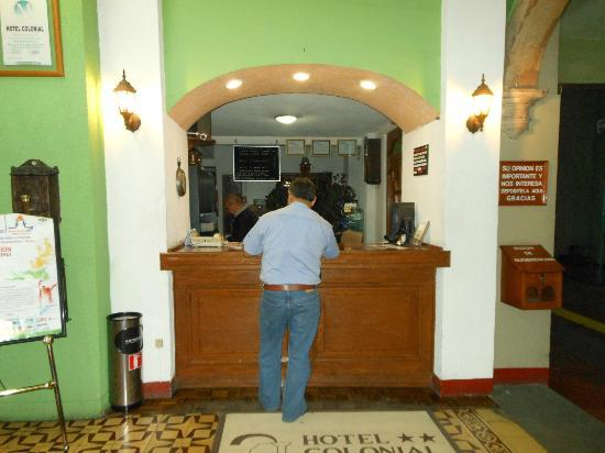 Hotel Colonial: Front desk OCT2012