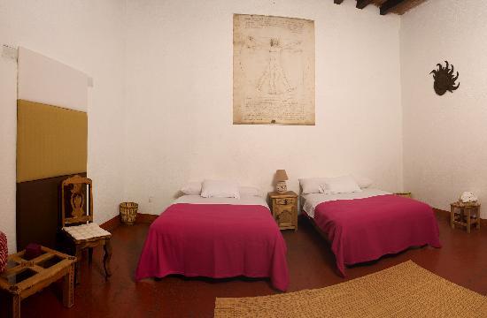 Hostal Casa del Sol Oaxaca: Bugambilia room