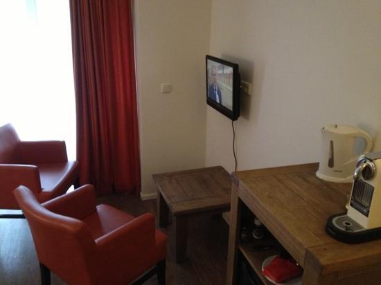 Hotel Dolores: Zithoek van kamer 3