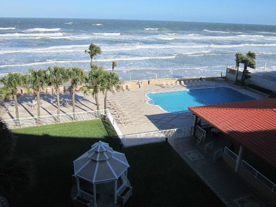 Holiday Inn Hotel & Suites Daytona Beach: The view from our balcony