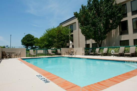 Hampton Inn Memphis Southaven: Pool