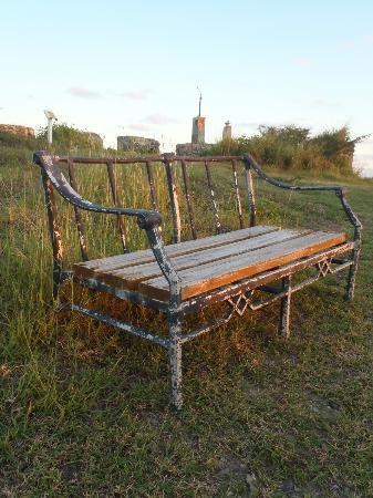 Divi Little Bay Beach Resort: Bench at Fort Amsterdam