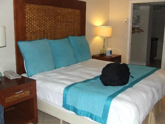 Divi Little Bay Beach Resort: One bedroom suite