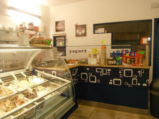Gelateria Artigianale Yogurteria Creperia Buontalenti: Gelati, yogurt, frappè, crepes, semifreddi 