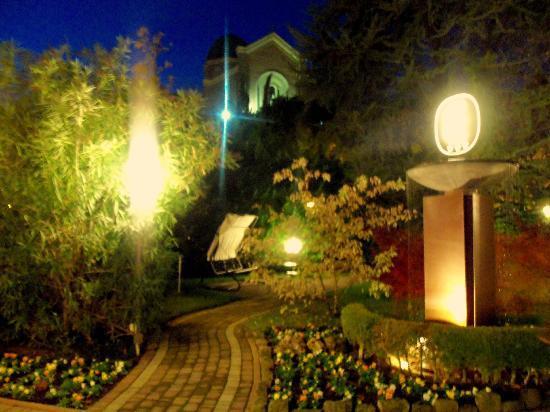 Hotel Eliseo Terme: Il cortile fatato