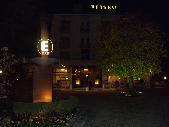 Hotel Eliseo Terme: L'hotel dal cancello