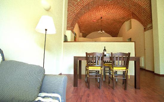 PinBologna Residence: Ein typisches Esszimmer