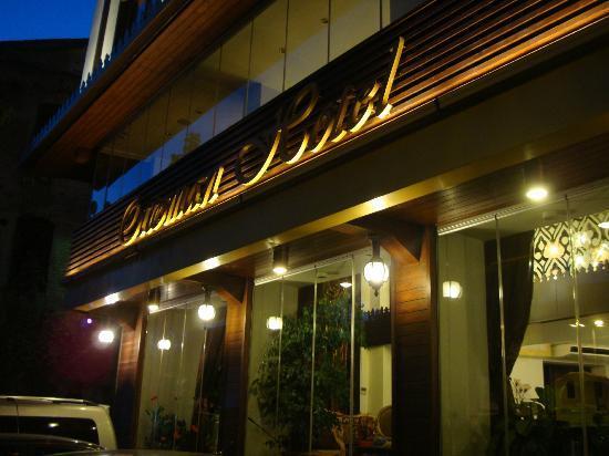 Ottoman Hotel Park: hotel entrance