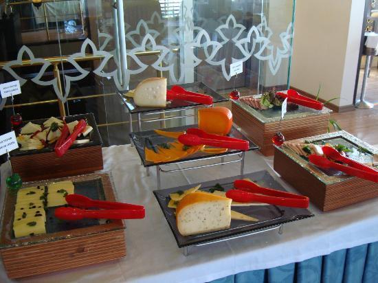 Ottoman Hotel Park: buffet breakfast 