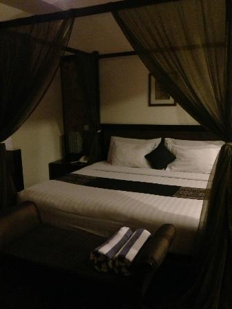 The Khayangan Villas: bedroom