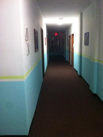 Walk of Fame Hostel: Hallways