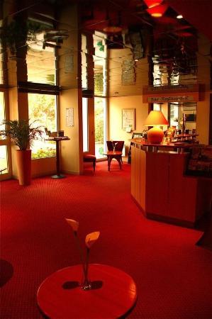 Brit Hotel Bordeaux Aéroport - Le Soretel : LOBBY