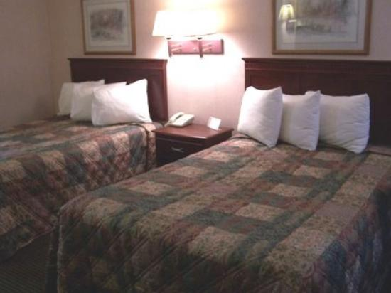 College Inn Natchitoches: Guest Room