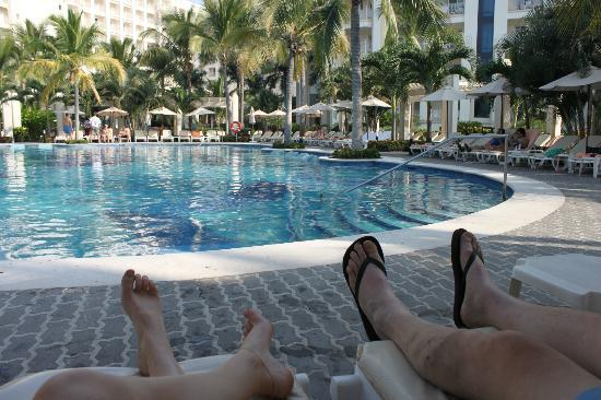 Hotel Riu Vallarta: Our view from seats at pool