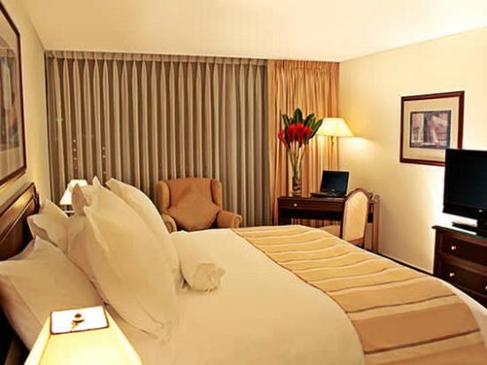 Thunderbird Hotels Fiesta Hotel & Casino : Superior Suite King