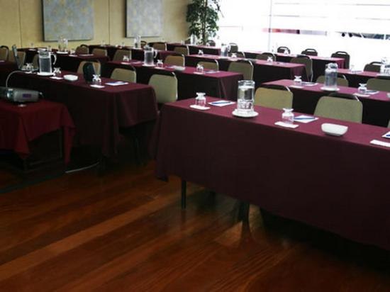Thunderbird Hotels Fiesta Hotel & Casino: Salon Alcanfores