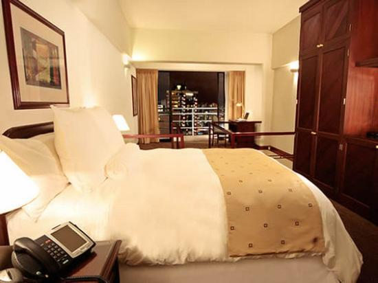 Thunderbird Hotels Fiesta Hotel & Casino : Junior Suite Queen