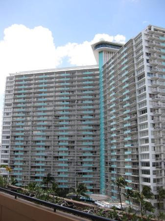 Discovery Bay Condominiums: Ilikai Exterior Photo