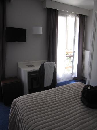 โรงแรมเดลอัลมา: Room