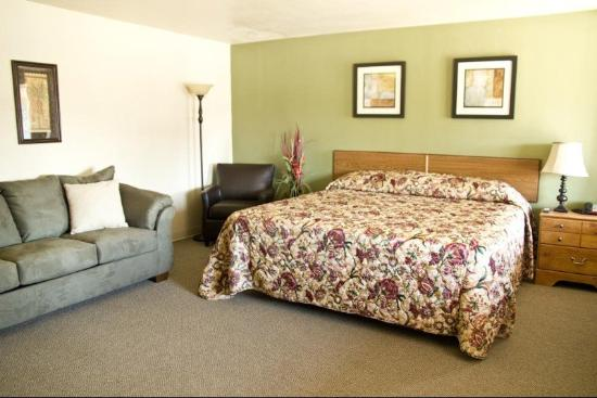 Magic City Motel King Suite