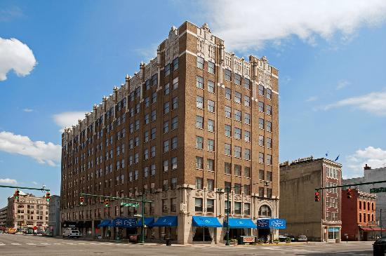 Hampton Inn Indianapolis Downtown Across From Circle Centre Welcome To The