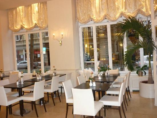 Exzellenz Hotel: Frühstücksraum