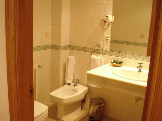 Hospederia El Convento: Bathroom