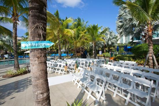 Doubletree Resort By Hilton Hollywood Beach Wedding The Pool