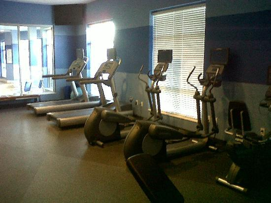 DoubleTree by Hilton Raleigh - Cary: The Fitness Center / Gym
