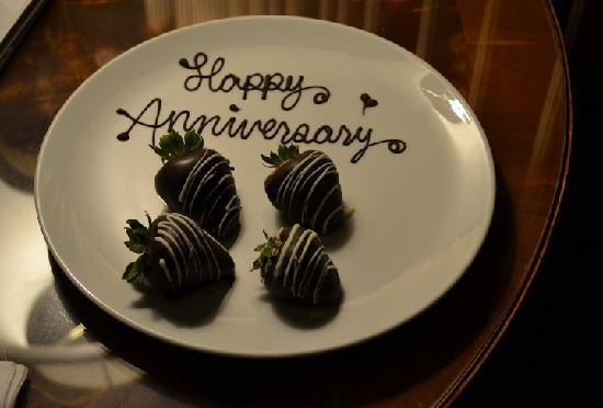 Sutton Place Hotel Vancouver: I mentioned it was our Anniversary, and we found these in our room on arrival. Nice touch!