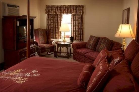 Crescent Lodge & Country Inn: Country Suite