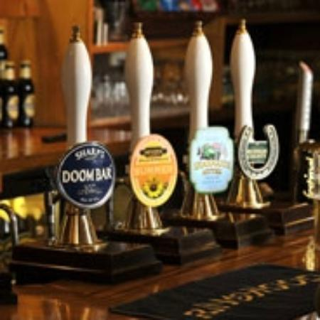 The Fox and Hounds: Huge choice of Real Ales