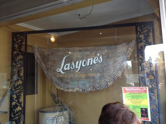 Lasyone's Meat Pie Kitchen: Lasayone's
