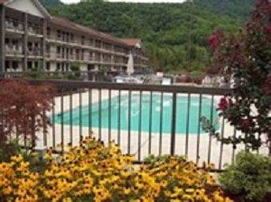 Cherokee Lodge: Swimming Pool