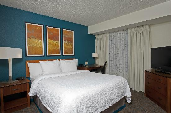 Residence Inn Indianapolis Northwest: Newly Remodeled Queen Guest Room